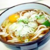 冷凍うどんの簡単ランチレシピ30選|ひとりのお昼ご飯にピッタリ!