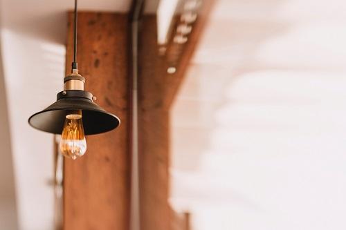 リラックスできる照明アイデア5選!手持ちの照明で心地よい空間作り