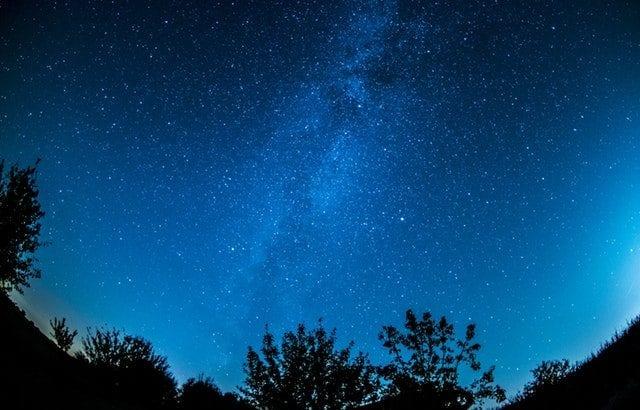 夏こそ「天体観測」♡ 楽しみ方やおすすめスポットをチェック!