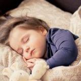 寝苦しい夏の熱帯夜に役立つ冷感睡眠グッズ18選&快適な睡眠のコツ