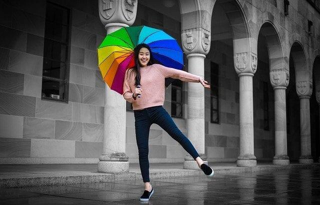 おしゃれ傘の人気ブランド7選 気分が上がる!大人な個性的アイテム