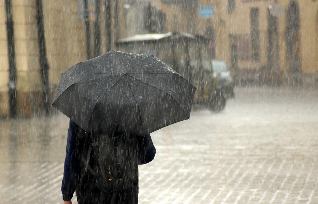 大雨・浸水から身を守るために!外出中の豪雨防災7つの心得