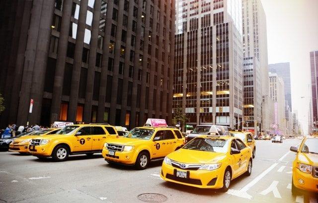 海外でタクシーを使う前にチェック!知っておくべき英語や注意点