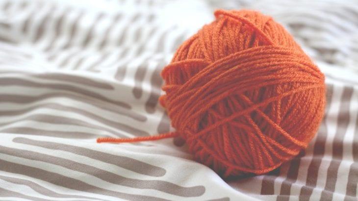 秋冬は編み物の季節♪基本3つの編み方と初心者向け作品5選