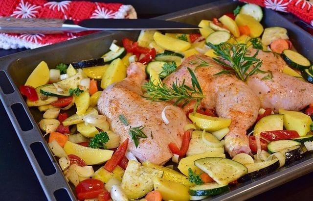 クリスマス料理は簡単手作りで♪華やかなパーティレシピ12選