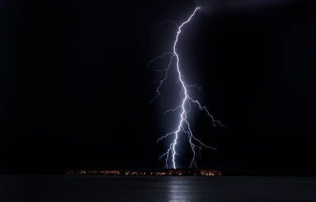 雷の防災対策!身を守るために知っておくと安心な13の対策