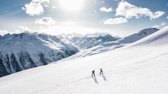 冬の雪山に登る前に防災知識を!大切な8つの防寒・危険対策
