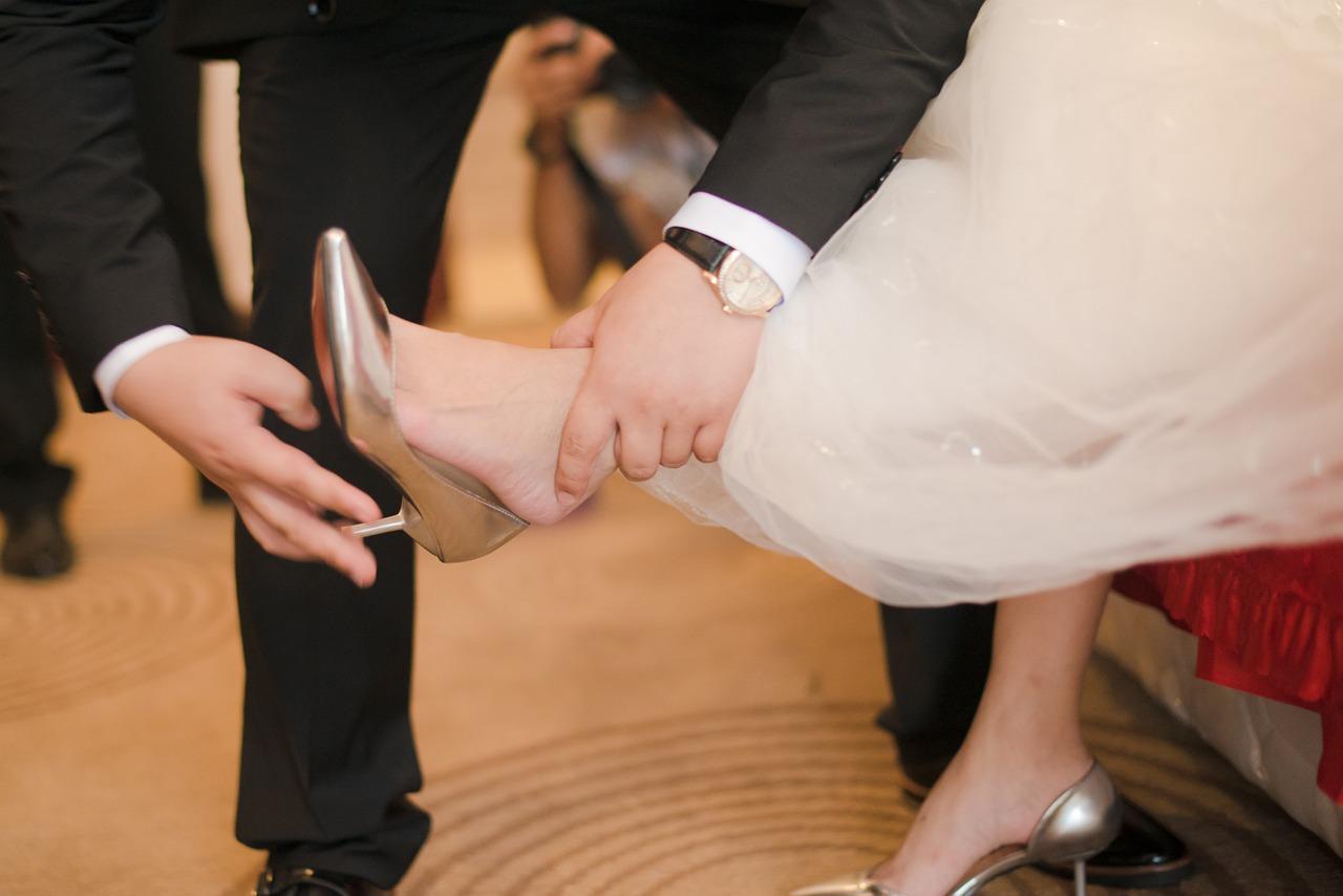 靴擦れ防止のおすすめ対処法/グッズ6選|簡単にできる応急処置も