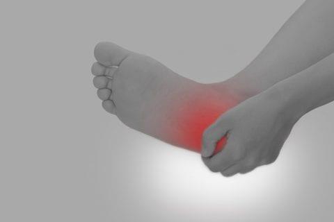 靴ずれが起きた時の処置やおすすめ防止策