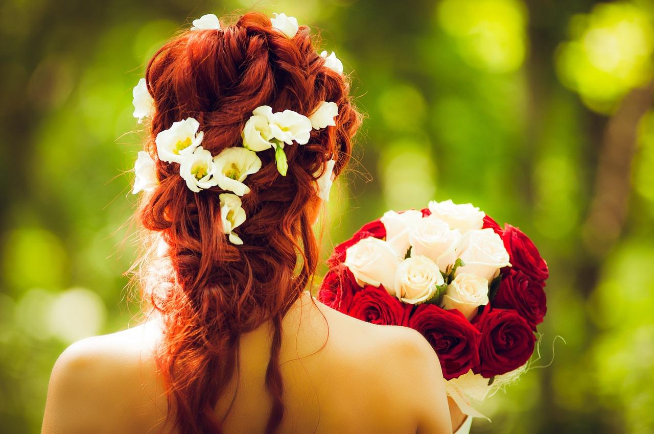 くるりんぱ×ポニーテールの3つのコツと可愛いヘアアレンジ10選