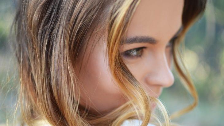 眉毛のメイクからオシャレ女子に♪5つのコツとおすすめアイテム9選