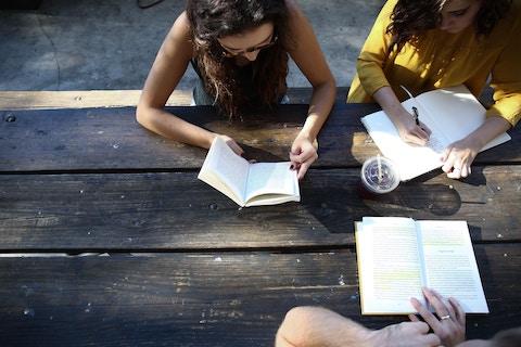 大阪で見つけた!読書や勉強が集中してできるおしゃれカフェ9選