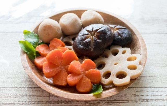 お弁当やおかずに野菜の飾り切り♪簡単なコツでお料理を華やかに