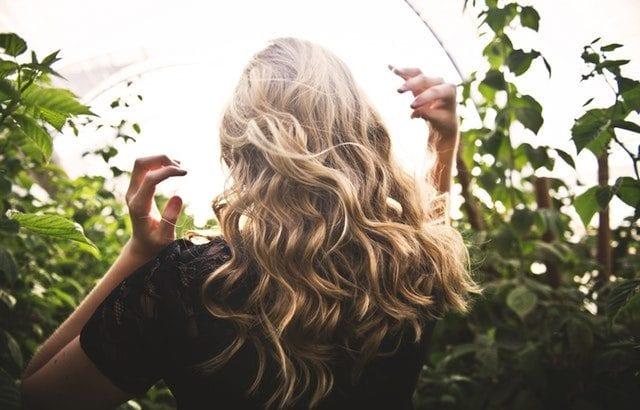 髪のパサつき6つの原因・対策とツヤ髪トリートメント10選