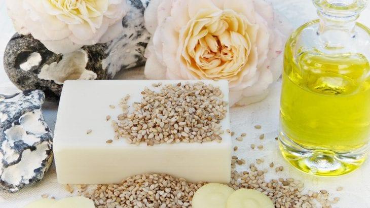 脂性肌さんのスキンケア|オイリー肌を改善する習慣・おすすめ商品