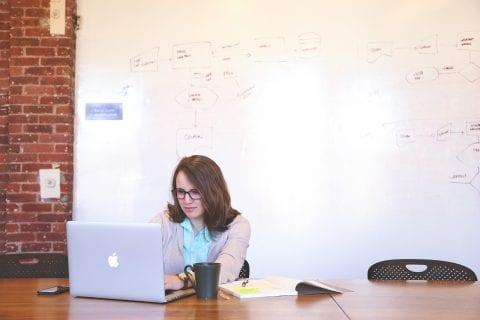 女性がIT企業で働くメリット・デメリット