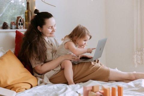 2〜3歳の子供の知育におすすめの人気スマホアプリ5選