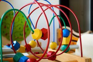 そもそも知育玩具とは?