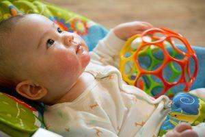 0歳の赤ちゃん向け知育玩具の遊びおすすめ人気10選