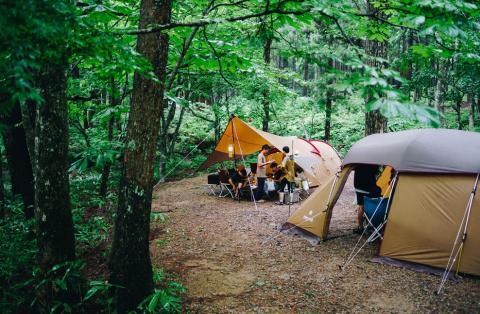 スノーピーク箕面キャンプフィールド|アウトドアブランドの直営キャンプ場