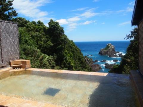 南紀串本リゾート大島|絶景を誇る露天風呂が自慢