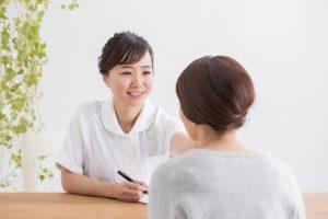 クレアクリニック の疑問に答える看護師のイメージ